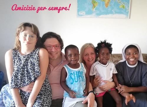 """Il mercatino il """"Natale dei ricordi: El Nos Nadal"""" per il Camerun"""